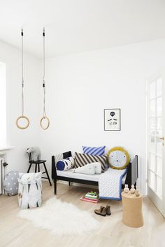 Next Post Previous Post Kids' Room with Rings from Oyoy Kinder & # Zimmer mit Ringen von Oyoy