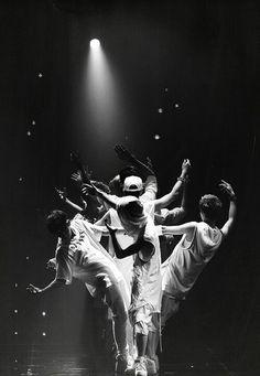 #sehun #exo #kai #kimjongin #osehun #suho #chanyeol #baekhyun #do #kyungsoo #dancing #dance #tao #lay #chen #xiumin #minseok #kris #luhan #wuyifan #zitao #KimJunmyeon #junmyeon #ZhangYixing #yixing #kimjongdae #jongdae #huangzitao #concert #performance #water #exodus #wolf #growl #era #lovemeright #album