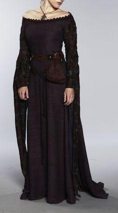 pikk must kleit