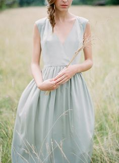 Pale blue and gold elegant organic wedding inspiration | Wedding Sparrow