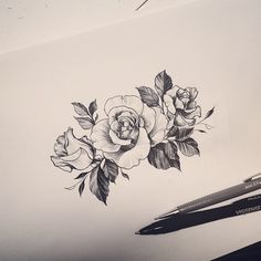 ▷ Flower Ideas Tattoo designs and their meanings .- ▷ 1001 + Ideen für Blumen Tattoo Designs und ihre Bedeutungen tattoos women shoulder, template made on shoulder, roses, symbol of beauty, strength and love - Tattoo Drawings, Body Art Tattoos, New Tattoos, Sleeve Tattoos, Cool Tattoos, Tatoos, Wrist Tattoos, Thigh Tattoos, Shoulder Tattoos