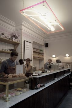 melbourne cafes photo blog, perspex lighting