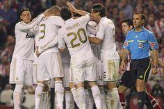 Real Madrid se corona campeón de la liga española... Gracias por esta alegría Madrid :,)