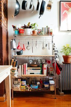My 1,000sqft: Tour A Newly Transplanted Coupleu0027s Bushwick Apartment Filled  With Craigslist Finds