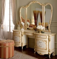 Master Bedroom Addition, Gold Dresser, Classic Furniture, Autumn Home, New Room, Classic Style, Interior Decorating, Bedroom Decor, Vanity