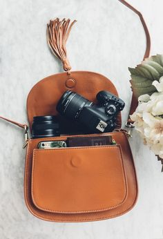Chic and stylish camera bag for women. Fits DSLR and Mirrorless cameras. Brown leather camera bag. GATTA Bag