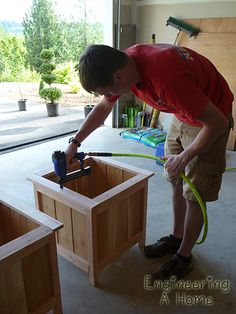 Learn to Launch your Carpentry Business - Planter Boxes 14 More Learn to Launch your Carpentry Business - Discover How You Can Start A Woodworking Business From Home Easily in 7 Days With NO Capital Needed! Cedar Planter Box, Diy Planter Box, Garden Planters, Diy Planters Outdoor, Square Planter Boxes, Diy Wood Planters, Front Porch Planters, Log Planter, Chair Planter