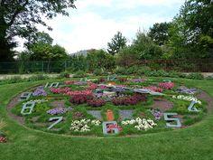 L'horloge fleurie du Jardin d'Acclimatation (Paris 16e) http://www.pariscotejardin.fr/2015/08/l-horloge-fleurie-du-jardin-d-acclimatation-paris-16e/