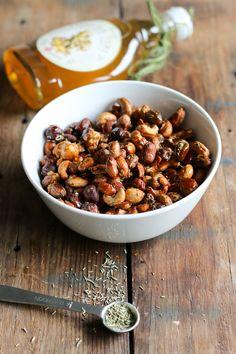 Inkivääri-rosmariinipähkinät