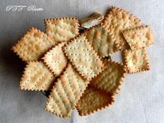 Ricetta dei Crackers fatti in casa.  #ricetta dei #crackers #snack #stuzzichini #recipe #italianfood #italianrecipe #PTTRicette