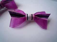 Krapfl Girl bows on Etsy