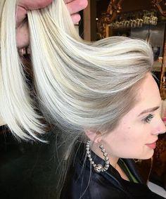 "2,164 To se mi líbí, 26 komentářů – HAIR PAINTERS™ (@hairpainters) na Instagramu: ""Gorgeous bright blonde @giovannii_s"""