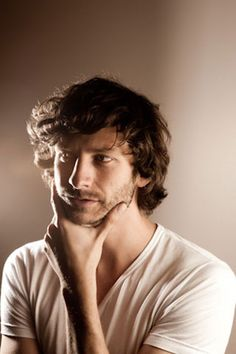 """Gotye Wouter Wally de Backer Interview - Gotye on """"Somebody The I Used to Know"""" - ELLE"""
