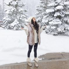 «Yesterday's cozy look for a magical snowy day! ❄️ #winterwonderland #ootd #fauxfur»