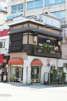 Restaurant; そばや 吉祥庵 東京都豊島区目白3丁目5−10 川瀬ビル2F 03-3565-5833 • http://four-seeds.co.jp/brand/kisshoan/
