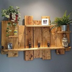 Building Pallet Wall Shelves with DIY Ideas - Sensod - Create. Brand Holzbearbeitung , Building Pallet Wall Shelves with DIY Ideas - Sensod - Create. Brand Building Pallet Wall Shelves with DIY Ideas - Sensod - Create. Wood Pallet Recycling, Wooden Pallet Projects, Pallet Crafts, Recycled Pallets, Diy Pallet Furniture, Wooden Pallets, Repurposed Wood, Wooden Diy, Diy With Pallets