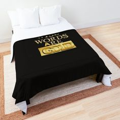 """""""Mehr als die Liebe"""" Tagesdecke von Herogoal 