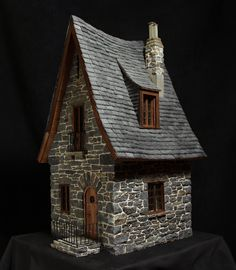 miniature stone cottage                                                                                                                                                     Mais