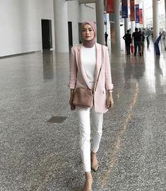 Modern Hijab Fashion, Street Hijab Fashion, Hijab Fashion Inspiration, Muslim Fashion, Modest Fashion, Fashion Outfits, Hijab Style, Hijab Chic, Ootd Hijab