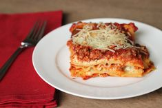 World's Best Lasagna - great recipe I don't like beef and tomato sauce together, but Italian Sausage works. I usually use cottage cheese rather than ricotta. But either works. Great Recipes, Favorite Recipes, Recipe Ideas, Top Recipes, Delicious Recipes, Recipies, Healthy Recipes, Italian Dishes, Italian Recipes