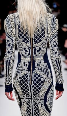 #Balmain #runway #embellished Collectioneight.com