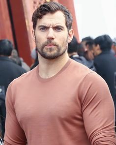 Henry Cavill, Love Henry, Henry Williams, British Men, Handsome Actors, Muscular Men, Attractive People, Christian Grey, Chris Hemsworth