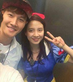 Ji-hyo and Jongkook Running Man ep. 204 as Snow White and the 7 Dwarfs ^_^