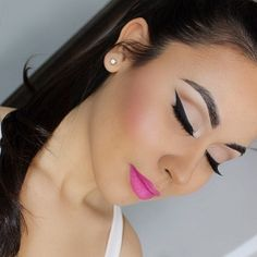 Perfect liner and pink lip look! Oh and of course the lashes! No look is complete without lashes!!  www.meaganellise.com