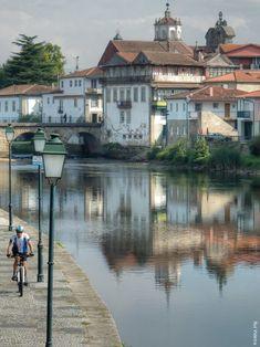 Tem quase 2000 anos de idade e continua imponente a ligar as 2 margens do Tâmega, em Chaves. Descubra a ponte mais antiga de Portugal.