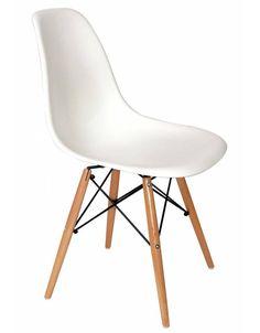 DSW Eames design eetkamerstoel; leuk in combinatie met kindervariant voor in de speelkamer bij werkblad