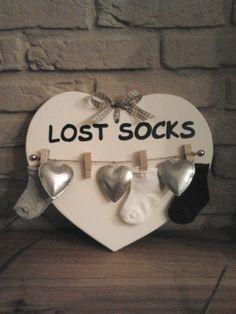 houten hart uitzagen, in de gewenste kleur verven, leuk als kraam cadeautje!!