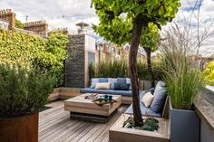 Finding the Best Ideas Rooftop Deck Design Roof Garden If your patio is large, you might decide to make gravel patches to separate distinctive spaces. Once you know how you want your patio to look, it's time to pick which… Continue Reading → Rooftop Terrace Design, Rooftop Patio, Terrace Garden, Rooftop Gardens, Terrace Ideas, Herb Garden, Terrace Decor, Small Terrace, Courtyard Gardens
