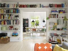 I love this fabulous home office design Bookshelves In Bedroom, Decorating Bookshelves, Home Office Chairs, Home Libraries, Living Spaces, Living Room, Home Office Design, Diy Room Decor, Home Decor
