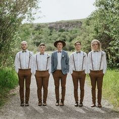 Groomsmen attire on point ? Captured perfectly by Groomsmen attire on point ? Captured perfectly by Vintage Groomsmen Attire, Groomsmen Outfits, Groom Outfit, Groom Attire Rustic, Groomsman Attire, Casual Groom Attire, Mismatched Groomsmen, Groomsmen Suspenders, Groom Suits