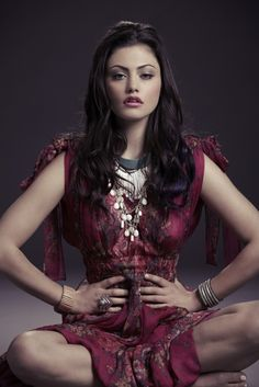 Australian actress and model Phoebe Tonkin