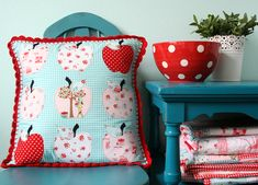 apple applique pillow....she has several ideas and mini-tutorials on this site that are worth your time.....