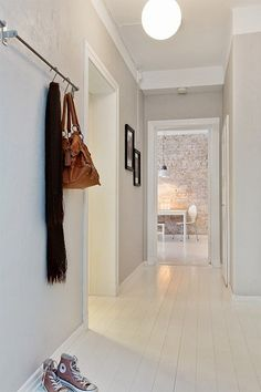 Very into the white floors and whitewashed brick Entry Stairs, Entry Hallway, Grey Hallway, Interior Architecture, Interior And Exterior, Interior Design, Scandi Living, My Dream Home, Interior Inspiration