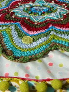 mandala pillow Bohemian Gypsy, Crochet Clothes, Household Items, How To Look Pretty, Bunt, Fiber Art, Kids Room, Mandala, Crochet Patterns