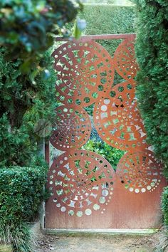Metal wall art & Outdoor garden sculptures, large metal wall decor and metal screens for Melbourne homes, gardens & commercial spaces by award-winning designer Helen Neyland. Outdoor Metal Wall Art, Metal Garden Art, Metal Wall Decor, Metal Art, Rusty Garden, Laser Cut Panels, Laser Cut Metal, Laser Cutting, Metal Gates