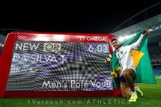 ورزشکار برزیلی استادیوم را به وجد آورد  http://1vz.ir/142571  «تیاگو براز داسیلوا» برزیلی با قرار گرفتن در جایگاه نخست مسابقات پرش با نیزه المپیک ریو ۲۰۱۶، دومین مدال طلا را برای کشور میزبان کسب کرد.           دوشنبه شب «تیاگو براز داسیلوا» برزیلی با پشت سر گذاشتن «رناد لاوینی» مدافع عنوان قهرمانی در رشته پرش با نیزه، ضمن کسب عنوان قهرمانی، اولین مدال طلای المپیک در بخش مردان را برای میزبان به ارمغان آورد. همچنین وی اولین مرد برنده مدال طلای دو و میدانی در سن ۳۲ سالگی است.  ..