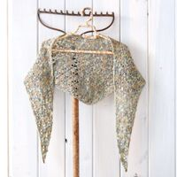 Effortless Increase Shawlette - This #shawl looks like it would be a blast to #crochet!