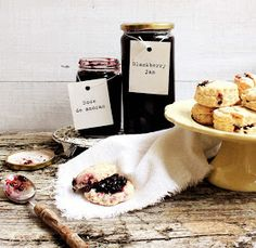 Pratos e Travessas: Doce de amoras e scones # Blackberry jam and scones