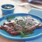 Le bistecche marinate sono fette di controfiletto di manzo impreziosite dal sapore della marinatura. Prova la ricetta di Sale&Pepe.