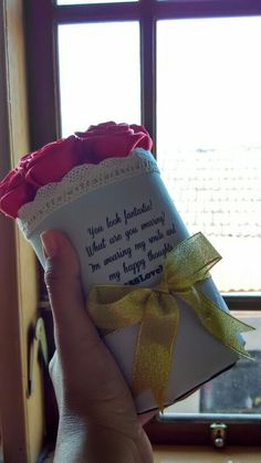 Flower pocket w/ red roses Looks luxurious...❤