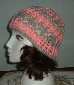 Lady's crocheted ribbed hat ref 474 £6.00