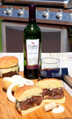 Kudos Kitchen By Renee: Man Burgers Stuffed with Pinot Noir Caramelized Onions for #SundaySupper Father's Day Feast