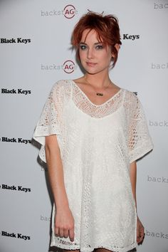 Jessica Stroups new red hairstyle