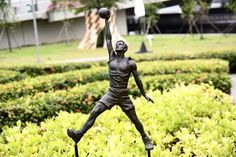 Youth Olympic Park is Singapore's very first art park and it was built to cultivate a stronger sense of community ownership and connection with Marina Bay. The park is named after the inaugural Youth Olympic Games, 2010 Summer Youth Olympics. Nearest MRT: About 5 mins walk from Promenade MRT station