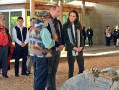 KensingtonRoyal: TRH are shown Haida totem poles by carver Guujaaw in the @HaidaHeritage Carving House #RoyalVisitCanada