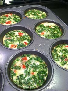 This is my healthier version of egg muffins using All Whites, Egg Beaters. You can also use regular Egg Beaters if you'd like. Great for breakfast, brunches and lunches, you just grab and go! Veggie Muffins, Veggie Frittata, Frittata Recipes, Healthy Muffins, Spinach Egg Muffins, Egg White Muffins, Egg White Breakfast, Egg White Omelette, Egg White Frittata
